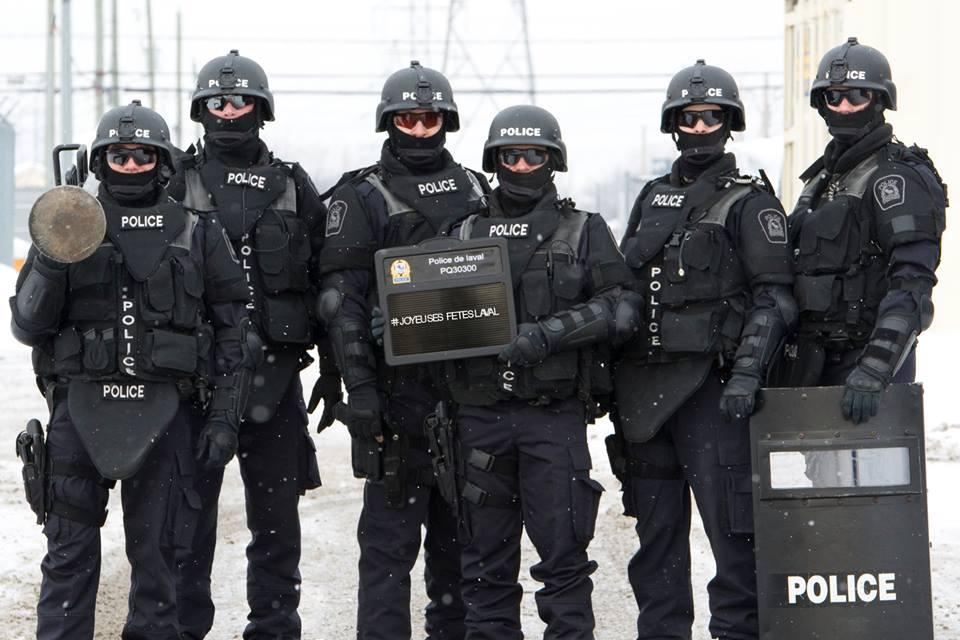 uniformes / cop / El porno gay / GayPornicom
